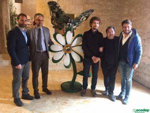 Attraverso un opera d'arte realizzata con materiali di riciclo, Ecodep e lo scultore Sergio Cimbali, lanciano un messaggio di rispetto per l'ambiente.