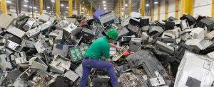 Rifiuti elettronici - raggiunte 48,5 milioni di tonnellate nel 2018. Il flusso di rifiuti in più rapida crescita rapporto delWorld Economic Forum.